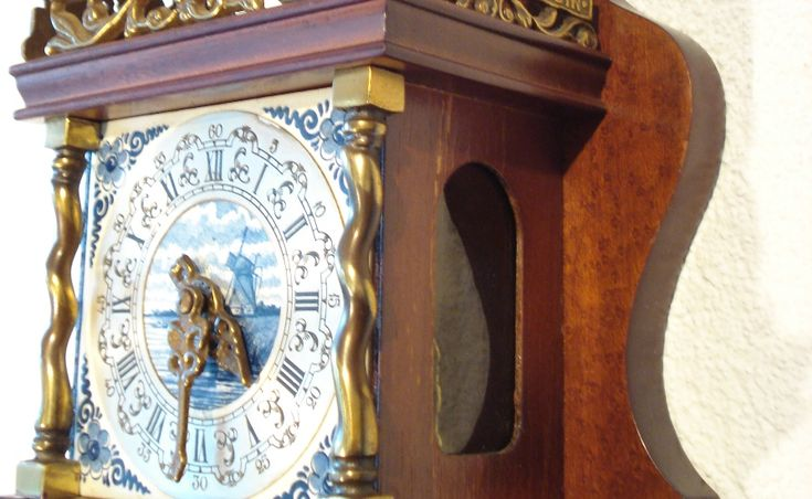 Zaanse Delft Clock