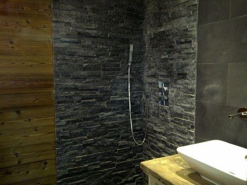 Les 25 meilleures id es de la cat gorie ardoise salle de for Recouvrement mur salle de bain