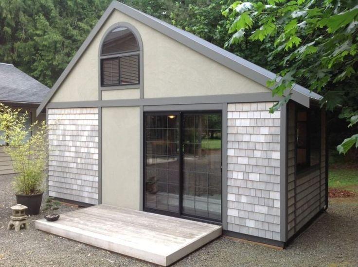 Chris Heininge proviene da una famiglia di artigiani e designer che ha costruito più di cento case tra Oregon, Washington e Arizona. Quasi tutte queste abitazioni sono state progettate dalla mamma di Chris, Elizabeth, che ora sta aiutando il figlio a elaborare delle piccole case di lusso. Lav