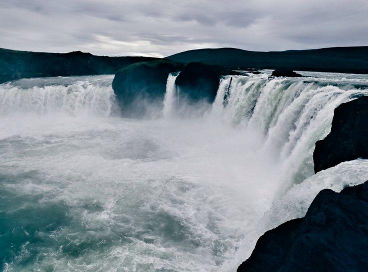 Grjótagjá, Goðafoss, Norden Islands, schönste Wasserfälle Islands, heiße Quelle in Höhle, Island Blog, Daim Gewinnspiel, Reise nach Island gewinnen, Iceland Blog, Like A Riot