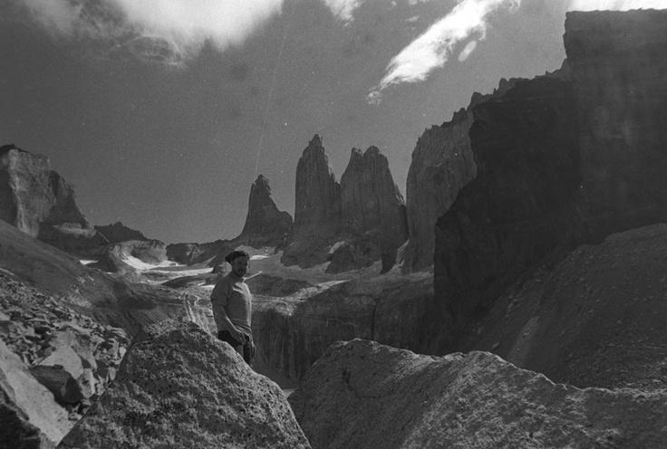 Durante el rodaje de la serie de TV Cazadores de Luz (aún inédita). Foto por Gerardo Collío en la base Torres, parque Nac. Torres del Paine, año 2012.