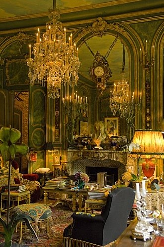 The unrivaled opulence of the parisian apartment of Counts Hubert et Isabelle d'Ornano in Quay d'Orsay.