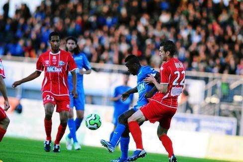 Houla et ses partenaires n'ont pas raté ce rendez-vous crucial face à Nîmes en s'imposant 2 à 0.