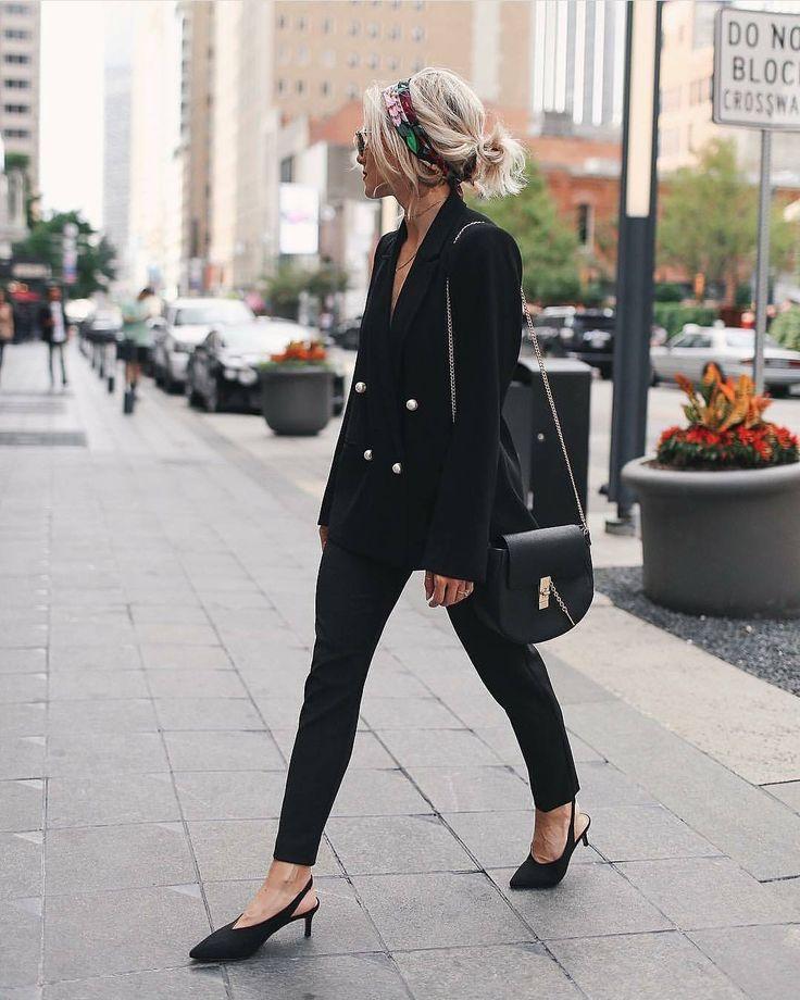 804 отметок «Нравится», 28 комментариев — INSPOCAFE OFFICIAL (@inspocafe) в Instagram: «Black suit & messy hair 🖤 Me encanta el contraste del pañuelo con la seriedad del traje 👌🏼 Por…»