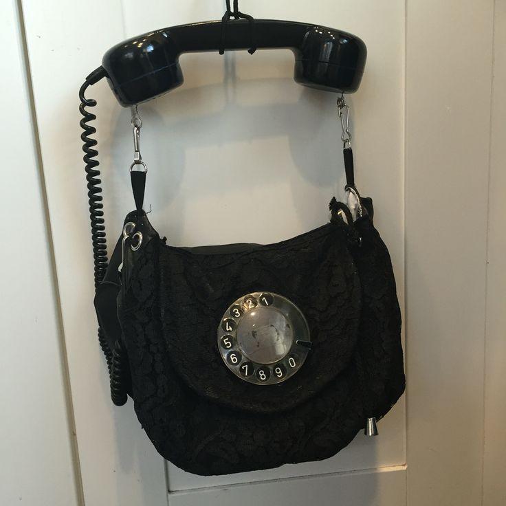 Vanha puhelin,käsilaukku,pitsi,nähka,kierrätys,diy