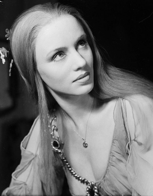 Jessica Tandy was a British-born stage and film actress, who spent most of her 67-year career in the United States. She appeared in over 100 stage productions and had more than 60 roles in film and TV.
