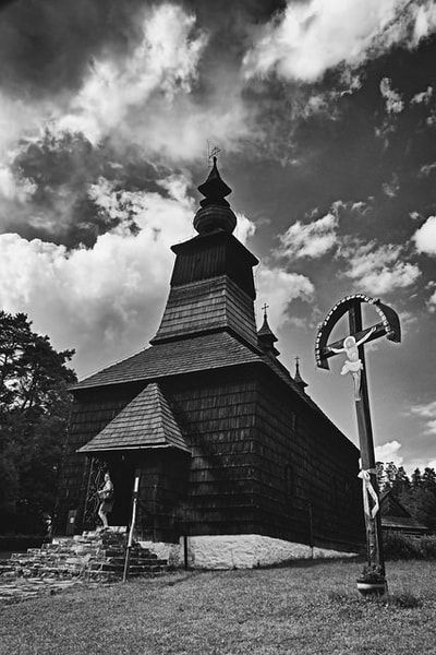 bwstock.photography - photo | free download black and white photos  //  #wooden #church #Matysova