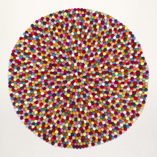 The Multicolor feltball rug - Find it here:    Felt ball rug: http://unaliving.com Kugletæppe: http://unaliving.dk Filzkugelteppich: http://unaliving.de