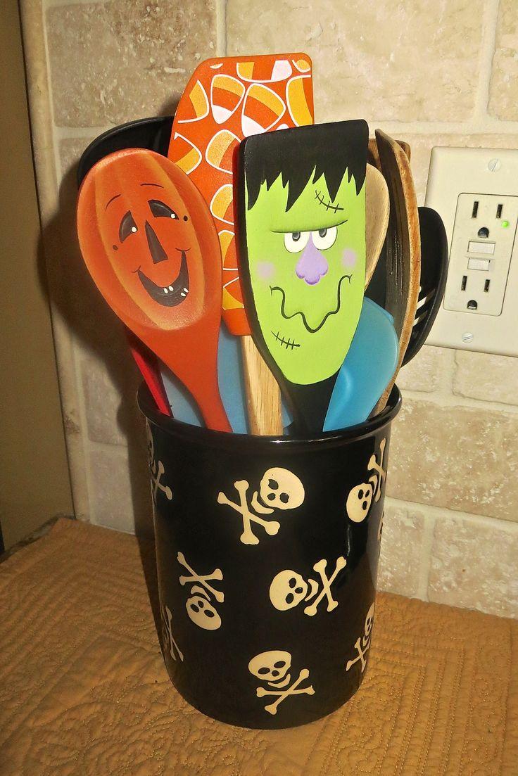 Halloween spoons
