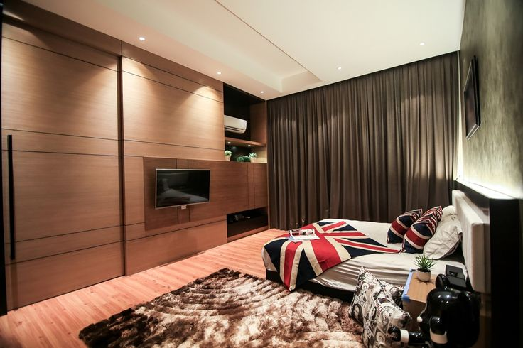 Love The Ambiance Created In The Bedroom With Its Timber