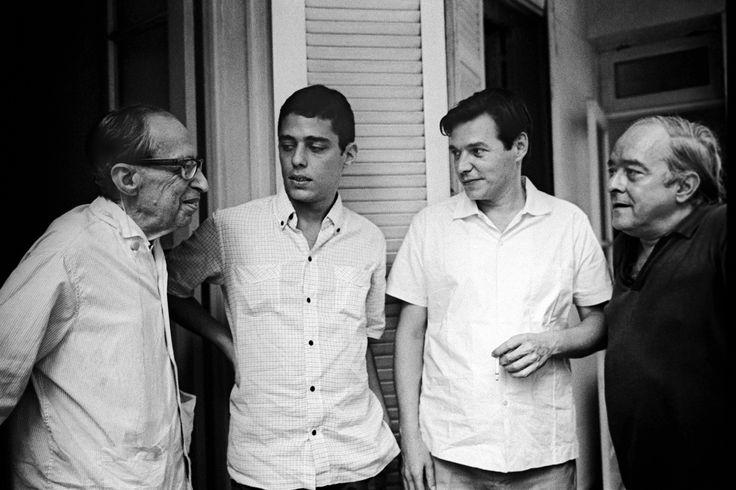 Manuel Bandeira, Chico Buarque, Tom Jobim e Vinícius de Moraes.