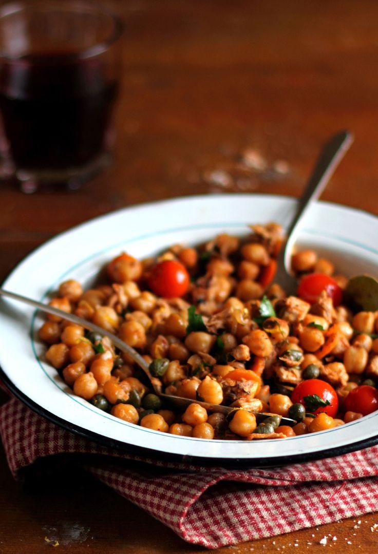 Nur 295 kcal: Würziges Kichererbsen-Curry: http://www.gofeminin.de/abnehmen/kalorienarmes-mittagessen-s1694277.html