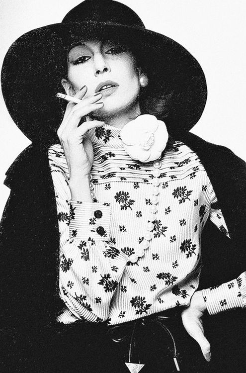 17 Best images about Anjelica Huston on Pinterest | Beauty ...