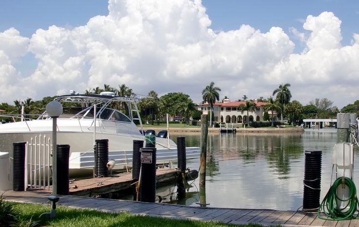Des belles maisons et des bateaux, des incontournables de Miami à découvrir sur www.placewithaview.com ! #Miami