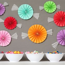 These would be really cute for a candy  themed party (or a bird themed party, too... add eyes, beak, even some feet hanging out the bottom, and voila!)