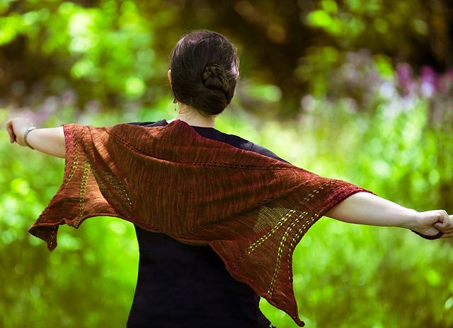 Dragon Wings Knitting Pattern : Dragon Wing Shawl by Patti Waters - great one-skein project for Seraphim #kni...