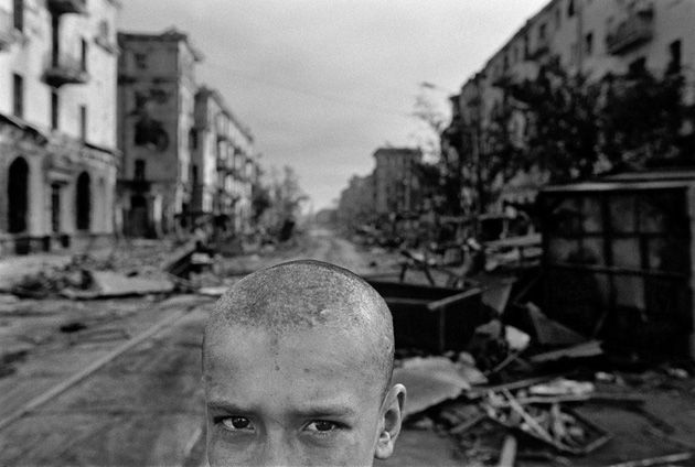 James Nachtwey. Chechnya 1996, The ruins of Grozny city center