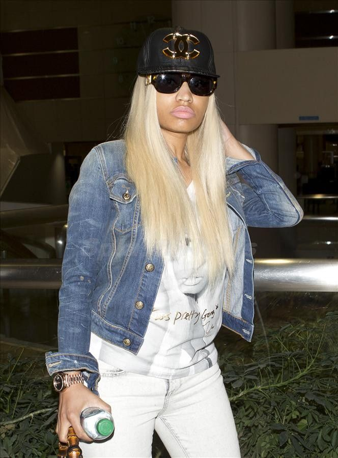 Celebrity with chanel sunglasses