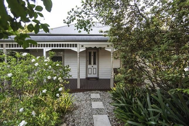 Circa 1890   Berry, NSW   Accommodation