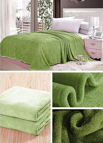 Světlo olivová deka na gauč