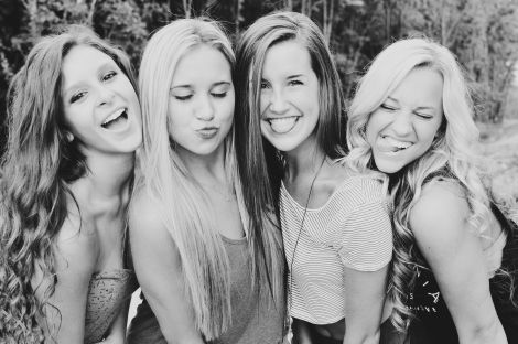 if you got a group of four girls to all do this, it would be the cutest picture ever..