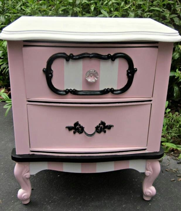 Macianns nightstand would look cute painted like this for Cute nightstand ideas