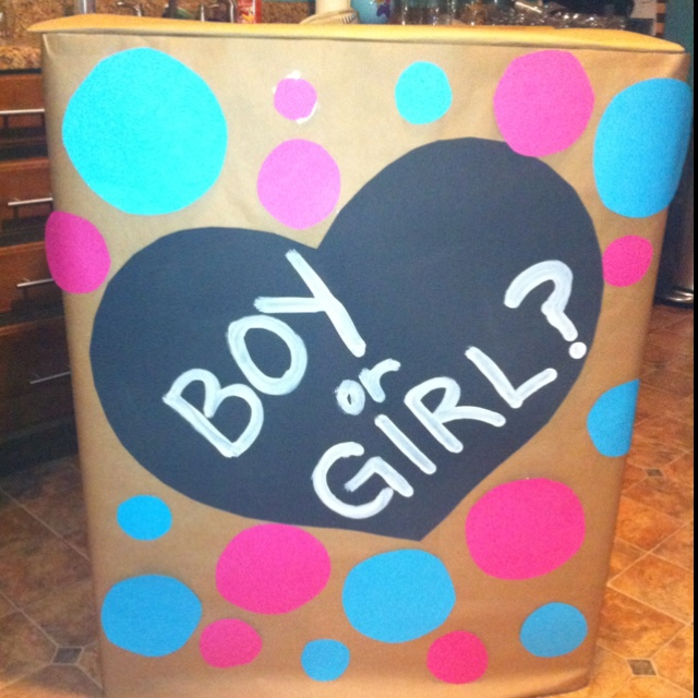 Gender reveal party idea's... Fill with pink or blue balloons ;)