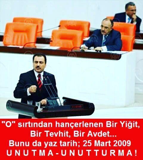 (398) Twitter.  #MuhsinYazıcıoğlu.  Seni uçakla öldüremeyip üşüterek,dondurarak ŞEHİT edenlere karşı-DUA'larımızla ısıtacağız.  Ülkü şehidim-Koca REİS.  Mekanın Cennet olsun.