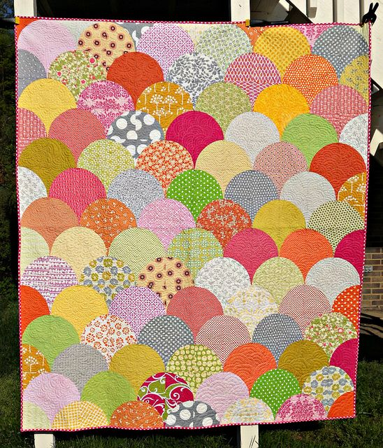 Summer scoops scallop quilt tutorial by sewcraftyjess