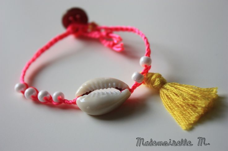 Bracelet coquillage shell brésilien brazilian pompon pink neon