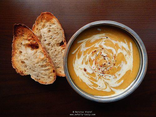 Supa crema de radacinoase coapte.  Roasted roots creamy soup.