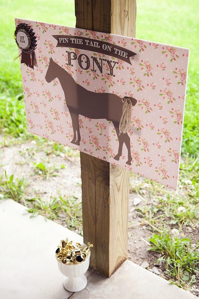 This is cute! Check the site, for a million ideas. |||Vintage Pony Party with So Many REALLY CUTE Ideas