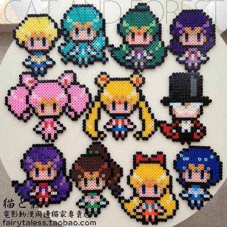 Sailor Moon perler beads. Eeeppp!!! I just want to make all of them.