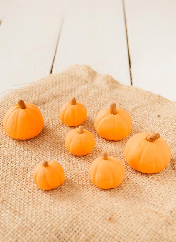 🍂  🦃  fondant pumpkins...how to...