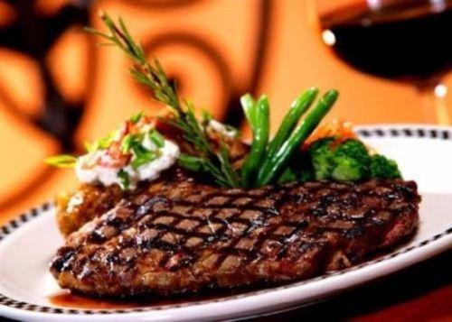 Мясной стейк: 6 праздничных рецептов