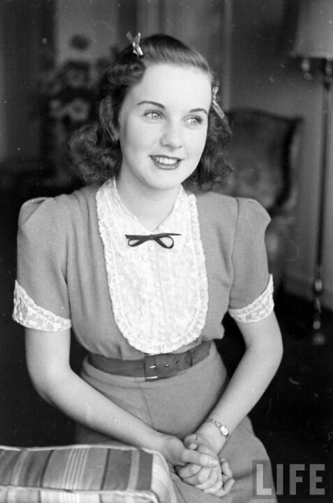 Deanna Durbin - she was such a cutie. #vintage #1940s #actresses