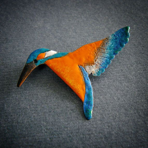 Kingfisher brooch by Justyna Krupkowska