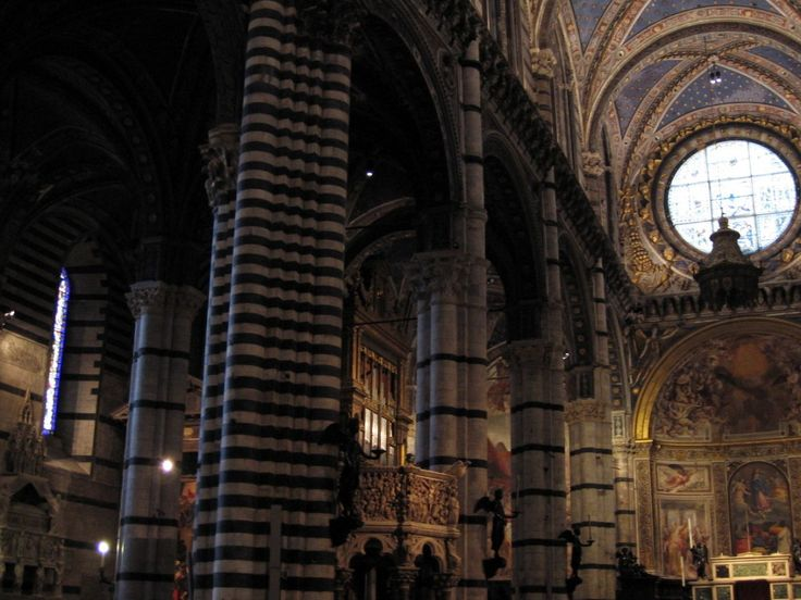 Siena: the inside of a cathedral - Photo: Beata B.