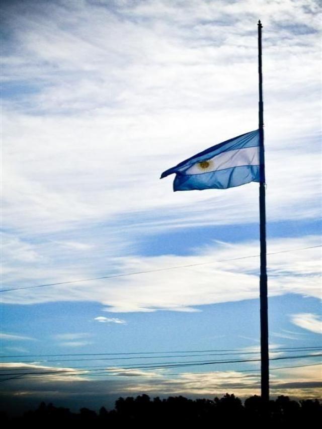 Resultado de imagen para mastil bandera argentina png
