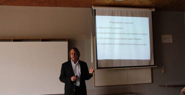 Experto en Astrobiología visitó la UPLA – Noticias de la Universidad de Playa Ancha