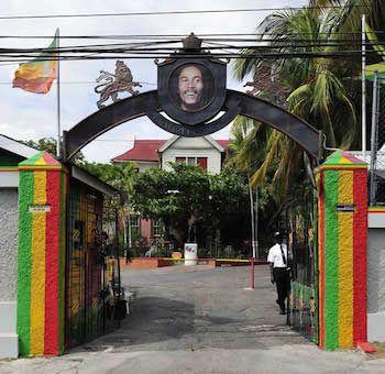 L'ingresso del Museo di Bob Marley a Kingstone, Giamaica