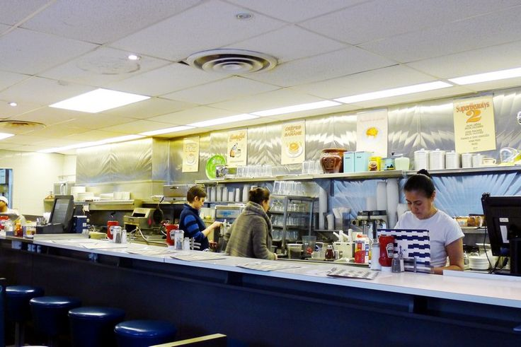 BEAUTYS LUNCHEONETTE MONTREAL bagel diner 1942 quebec Instanomss Nomss Food Travel Lifestyle Canada