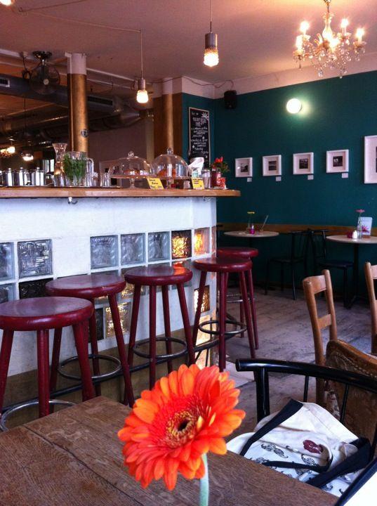 Café Morgenrot // Freitag, Samstag  Sonntag: vegan-vegetarisches Frühstücksbuffet - bio  fair! // Berlin-Prenzlauer Berg // http://www.cafe-morgenrot.de