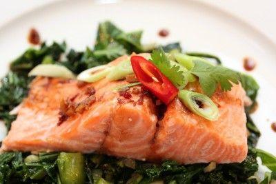 Ovnsbakt ørret med teriyakisaus og grønnkålsalat - TRINEs MATBLOGG