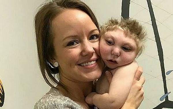 Már 2,5 éves Jaxon, az agy nélkül született kisfiú - https://www.hirmagazin.eu/mar-25-eves-jaxon-az-agy-nelkul-szuletett-kisfiu