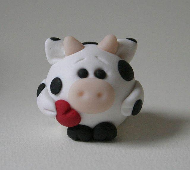 Round Valentine Cow by fliepsiebieps1, via Flickr