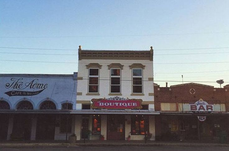 7 Small Texas Towns to Shop 'Til You Drop