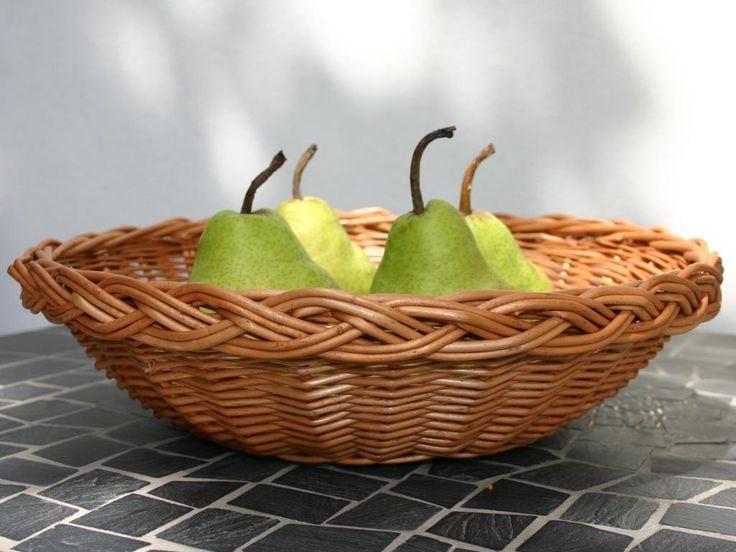 Wiklinowy kosz na owoce
