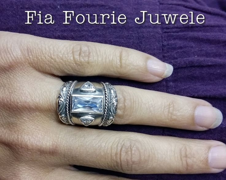 Wide 3 stone silver ring