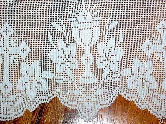 El altar de Ntro. Señor Jesucristo se engalana con este tejido en crochet.